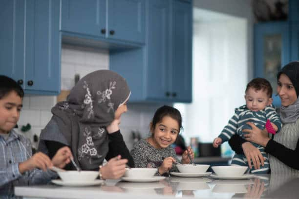 Are there financial benefits for newcomer families with children?